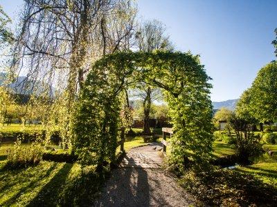 © Kraft | Der Kurpark von Bad Goisern am Hallstättersee bei einem Urlaub im Salzkammergut