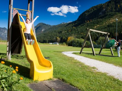 © Kraft | Urlaub im Salzkammergut: Kinderspielplatz in Gosau