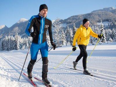 © Kraft | Skilanglaufen bei einem Winterurlaub in Gosau in der UNESCO Welterberegion Hallstatt Dachstein Salzkammergut