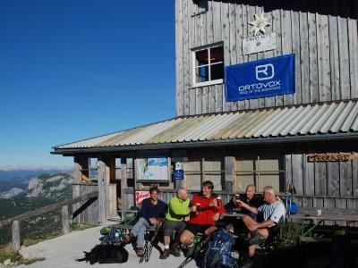 © Kraft | Simonyhütte in der Dachstein Wanderwelt in Hallstatt / Obertraun bei einem Wanderurlaub in der Ferienregion Dachstein Salzkammergut.