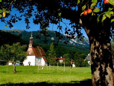 © Kraft | Glücksplätze im Salzkammergut: Katholische Kirche von Sankt Agatha in Bad Goisern am Hallstättersee.