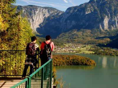 © Kraft| Fernwanderwege & Weitwanderwege in Österreich. SalzAlpenSteig Etappe 18:Von Bad Goisern am Hallstättersee über Salzkammergut Soleweg nach Hallstatt und Obertraun  bei einem Urlaub in Österreich.