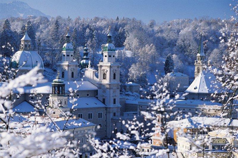 how to get from hallstatt to salzburg