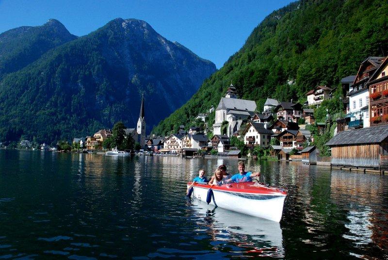 UNESCO Welterberegion Hallstatt Dachstein Salzkammergut: Impressionen vom Hallstättersee. Auf Entdeckungsreise mit dem Elektroboot.  - © Kraft