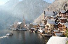© Krauß| Hallstatt V srdci legendami opředené Solné komory, na úpatí mohutného Dachsteinu a na břehu hlubokého a průzračného Hallstattského jezera leží vzácná perla