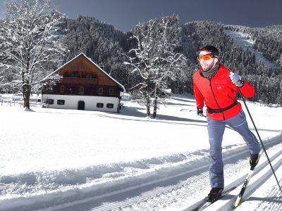 © Kraft | Entdecken Sie die UNESCO Welterberegion Hallstatt Dachstein Salzkammergut in Ihrem Winterurlaub beim Ski-Langlaufen.