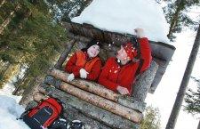 © OÖ.Tourismus/Röbl   Schneeschuhwandern in Bad Goisern am Hallstättersee – Winterurlaub im Salzkammergut