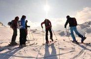© Outdoor Leadership | Tourenskigehen in der UNESCO Welterberegion Hallstatt Dachstein Salzkammergut bei einem Urlaub in Österreich.