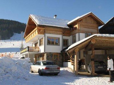 Urlaub im Alpenchalet Gosau: Komfortables Ferienhaus im ländlichen Stil in der UNESCO Welterberegion Hallstatt Dachstein Salzkammergut.