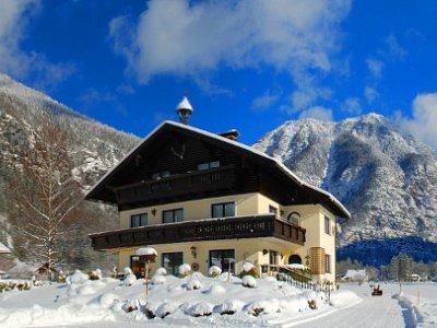 © Kraft | Urlaub am Hallstättersee: Haus Marie in Obertraun. Zu Gast bei Familie Abel und Bertie Gans