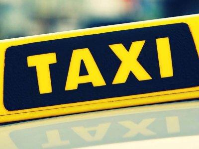 © Pixeleo | Taxis im Salzkammergut