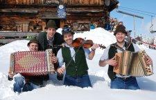 © DAG | Skifahren bei einem Winterurlaub im Salzkammergut: Impressionen von der Gaudiwoche in der Skiregion Dachstein West in Gosau.