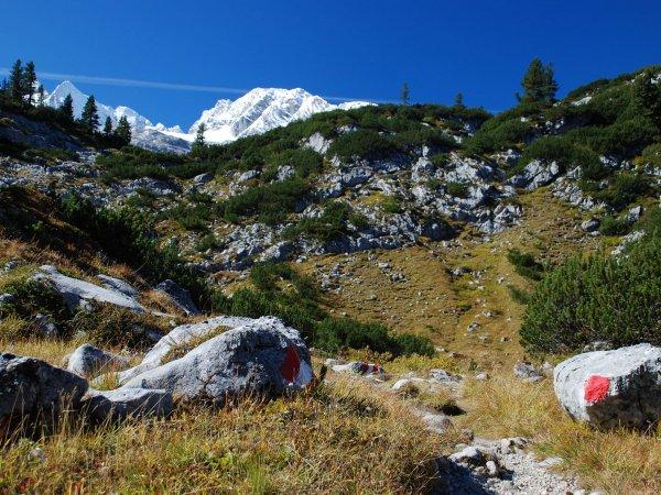 (c9 Kraft | Hochalpine Drei-Tages-Wanderung-Titel der Wanderung: Dachsteinüberquerung – Von Hallstatt über das Dachsteingebirge nach Gosau.