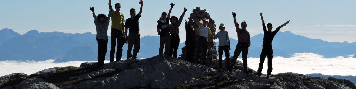 Hochalpine Bergwanderung von ca. 6 Stunden über das Hochplateau am Dachstein. Trittsicherheit & Ausdauer Voraussetzung. Genusswandern im Herbst! - © Bichler