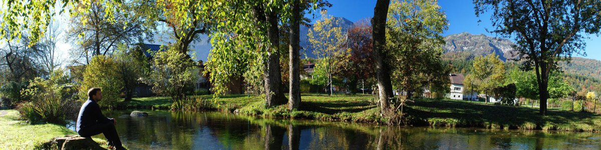 The spa gardens in Bad Goisern on Lake Hallstatt:  The oasis in the centre. - © Kraft