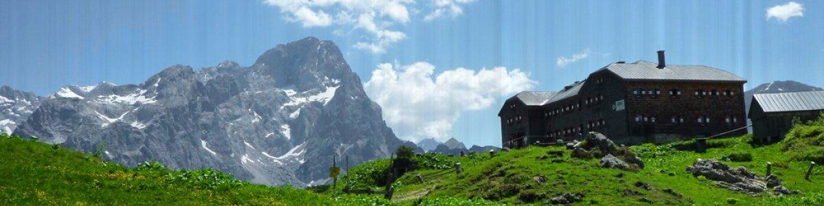 Hiking in Austria: Around Mount Gosaukamm - © Hummelbrunner