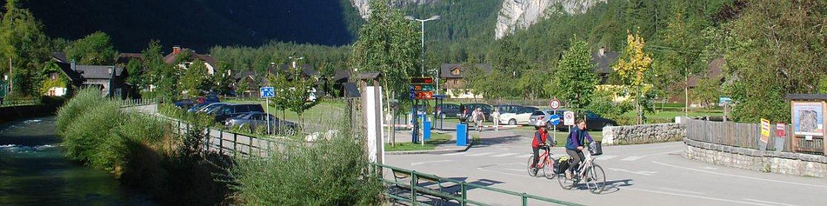 Parkplatz bei der Seilbahn zu den Salzwelten - © Kraft