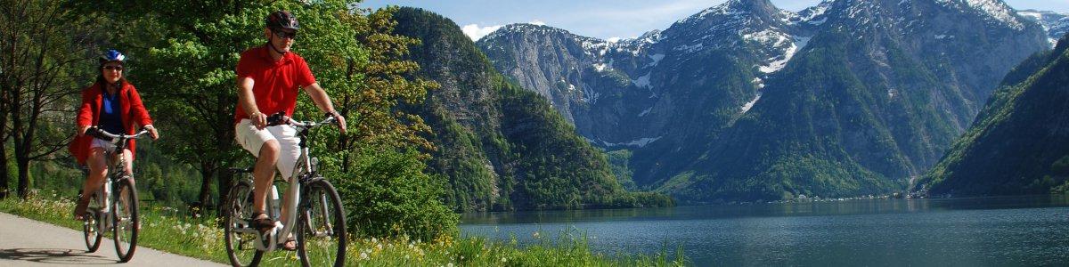 E-Biking around Lake Hallstatt - © Kraft