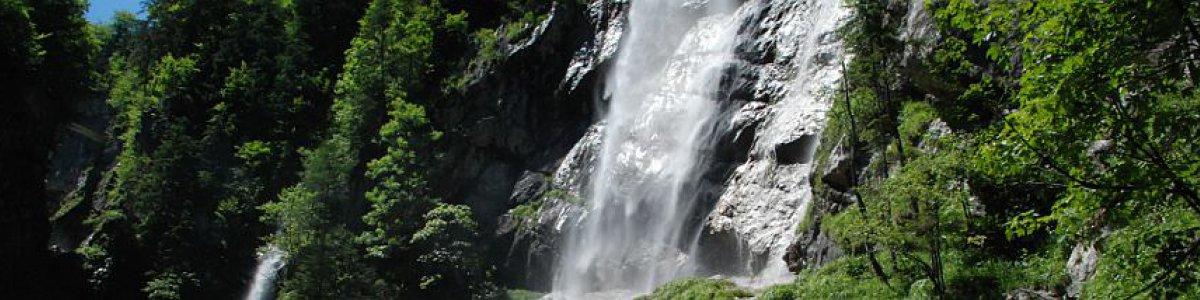 Glücksplätze im Salzkammergut: Waldbachstrub Wasserfall in Hallstatt - © Kraft