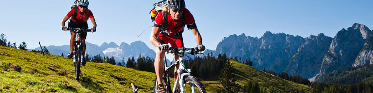 """Österreichs beliebtester Mountainbiketour: die  """"Dachsteinrunde"""" - © OÖ.Tourismus/Erber"""