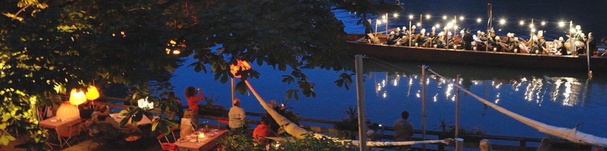 Romantisch-gemütlicher Gastgarten - © Lobisser