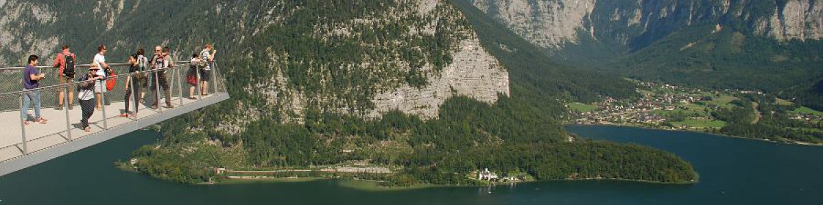 Visit the spectacular viewing platform 'World Heritage View' during a holiday to Hallstatt in Austria - © Kraft