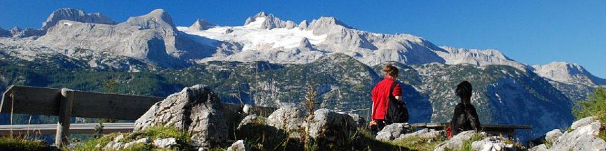 Imposante Aussichten: Obertrauner Sarsteinhütte  - © Kraft