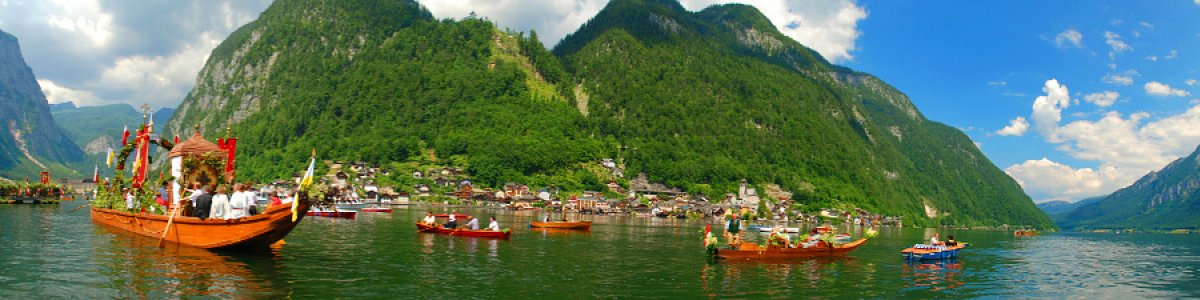 Corpus Christi procession in Lake Hallstatt - © Kraft