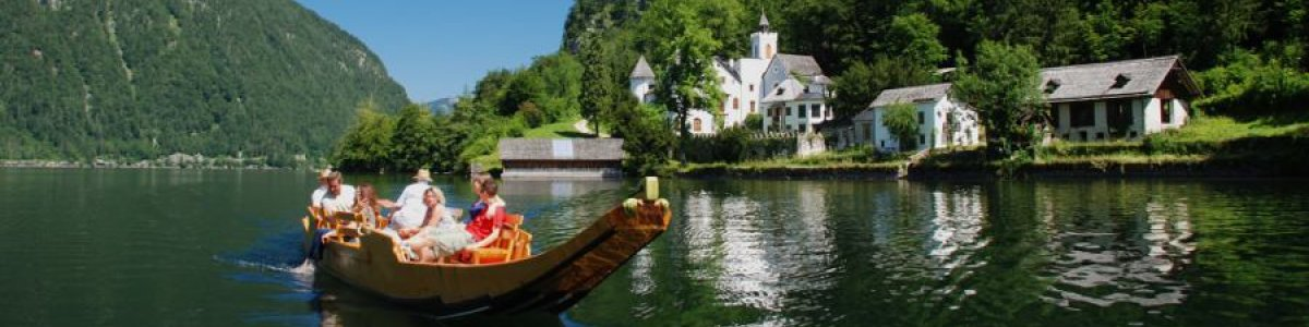 "Discover the fjord-like Lake Hallstatt aboard the traditional salt boat ""Salarius""!  - © Kraft"