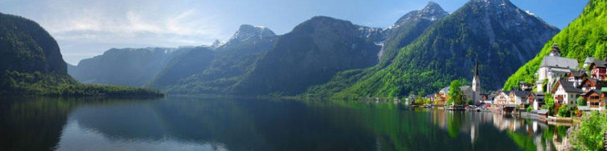 Holiday in Austria: Hallstatt on Lake Hallstatt   - © Kraft