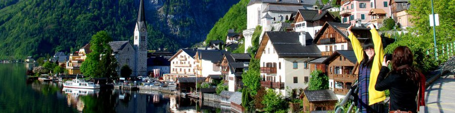 Holiday in austria: Hallstatt at Lake Hallstatt - © Kraft