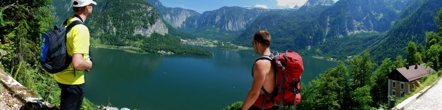 Hiking in Hallstatt in Austria - © Kraft