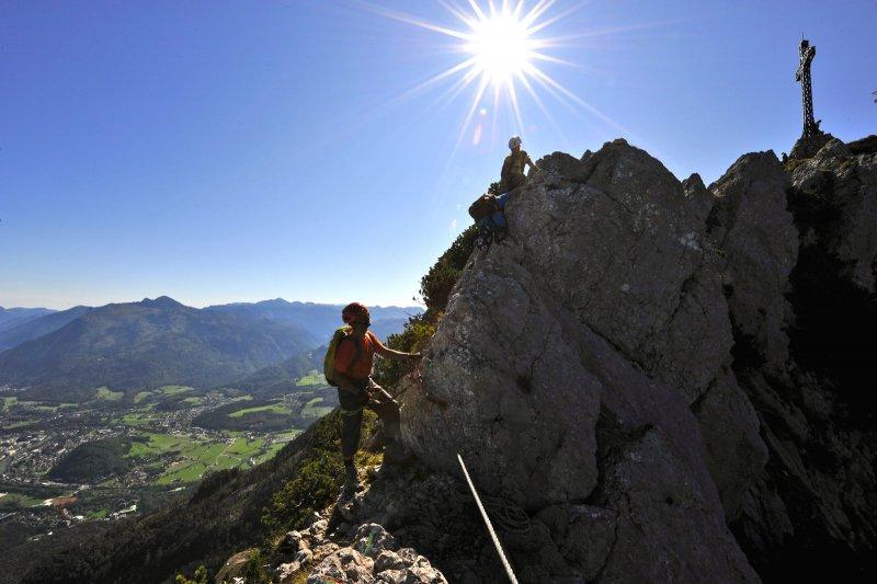 Klettersteig Austria : Climber in trattenbacher klettersteig beisteinmauer editorial