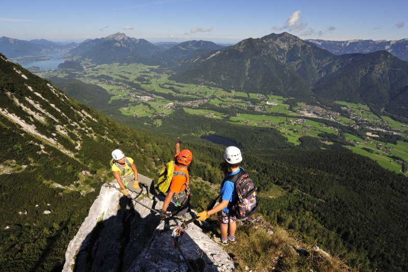 Klettersteig Gosau : Donnerkogel klettersteig in gosau youtube
